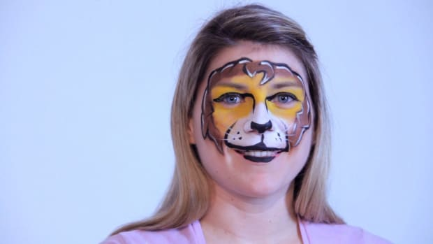 L. How to Paint a Lion Face with Face Paint Promo Image