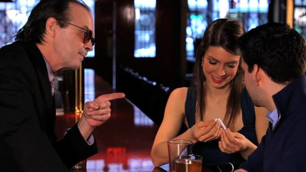 B. How to Set Up a Bar Bet You Can Win with a Bar Trick Promo Image