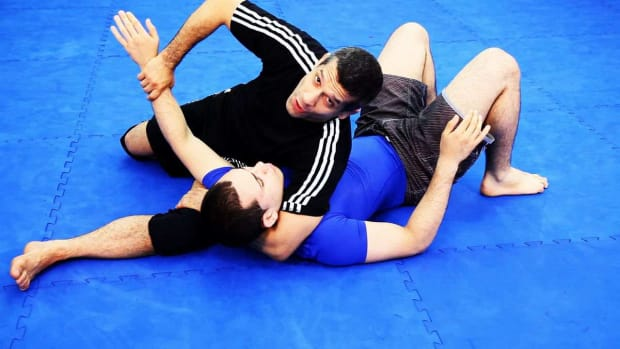 ZP. How to Do Scarf Hold Escapes in MMA Fighting Promo Image