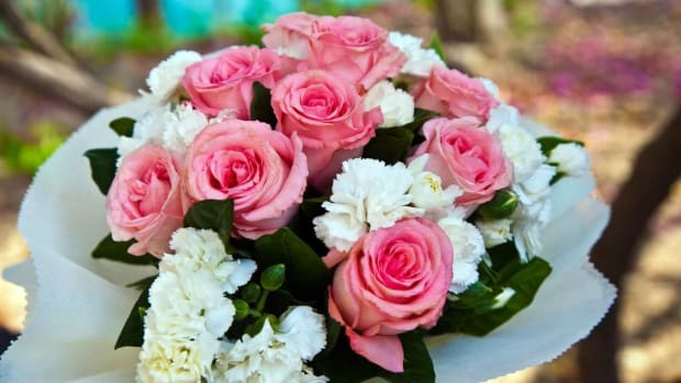 G. How To Choose the Best Way To Send Flowers Promo Image