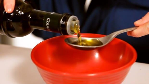 Q. How to Make a Honey, Yogurt & Olive Oil Facial Mask Promo Image