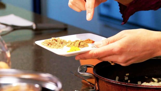 N. How to Use Turmeric in Indian Food Promo Image