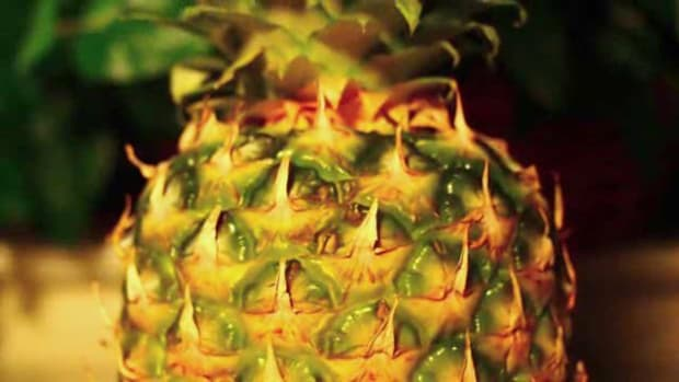 P. How to Tell if a Pineapple is Ripe Promo Image