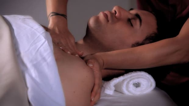 U. How to Massage Shoulders during a Head Massage Promo Image