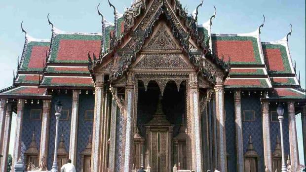I. Visiting Wat Pho Promo Image