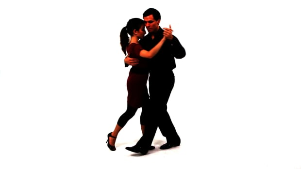 M. How to Do the Media Luna for the Argentine Tango Promo Image