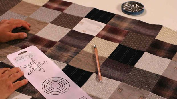 W. How to Mark Blocks & Border Designs for a Quilt Promo Image