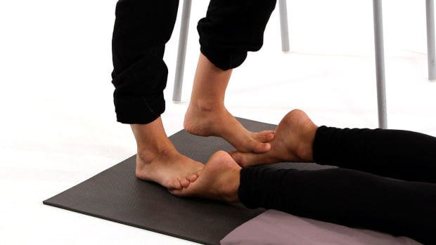 ZF. How to Use Your Feet in Shiatsu Massage Promo Image
