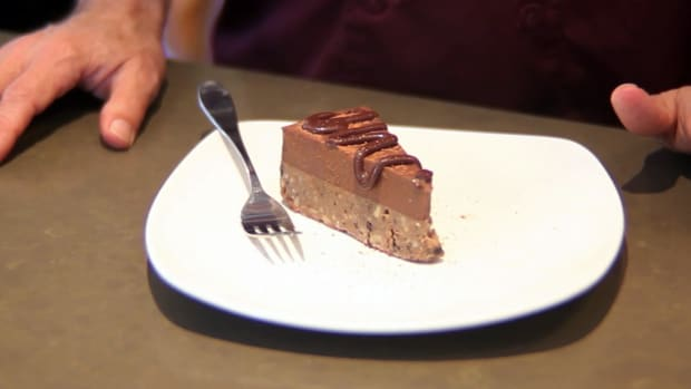 ZP. How to Make Cookie Dough Pie for a Raw Food Diet Promo Image