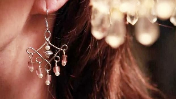 ZT. How to Make Teardrop Chandelier Earrings Promo Image