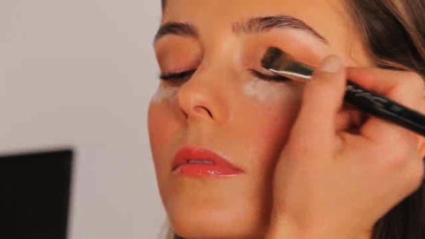 G. How to Apply Eye Shadow Promo Image