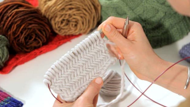 ZE. How to Do a Herringbone Stitch in Knitting Promo Image
