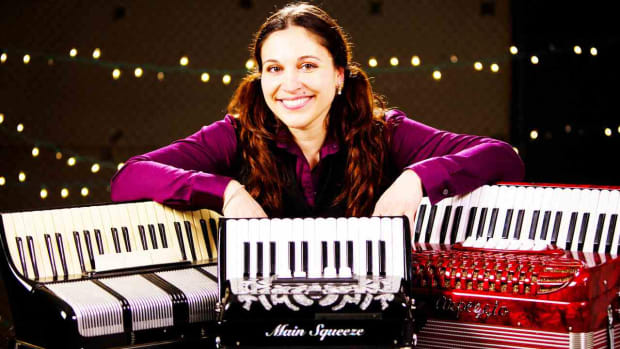 V. 4 Accordion Buying Tips Promo Image