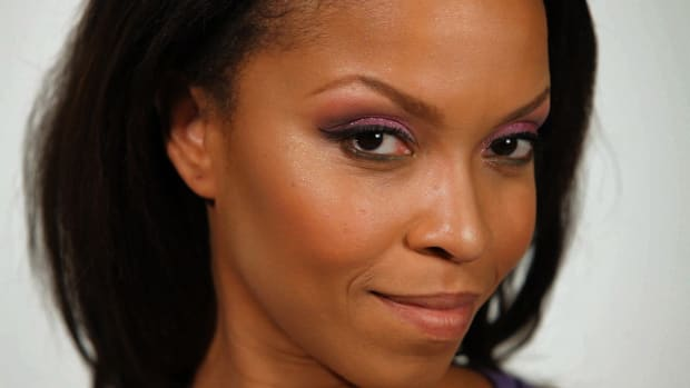 O. How to Apply Eyeliner for Black Women Promo Image