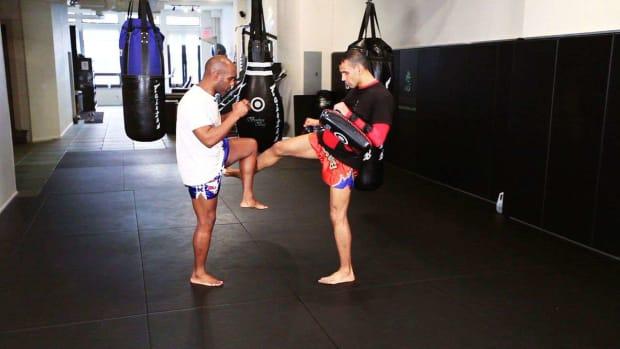 R. 5 Tactics to Counter Muay Thai Kickboxing Kicking Attacks Promo Image