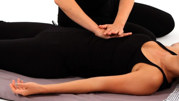 M. How to Give a Shiatsu Hara Massage Promo Image