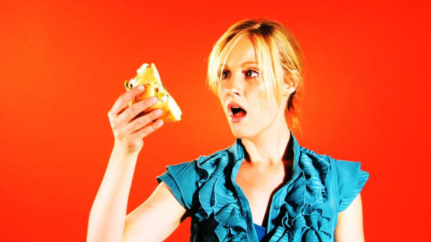 ZI. Quick Tips: How to Keep a Bagel Sandwich from Getting Crushed Promo Image