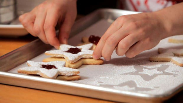 F. How to Make Linzer Cookies Promo Image