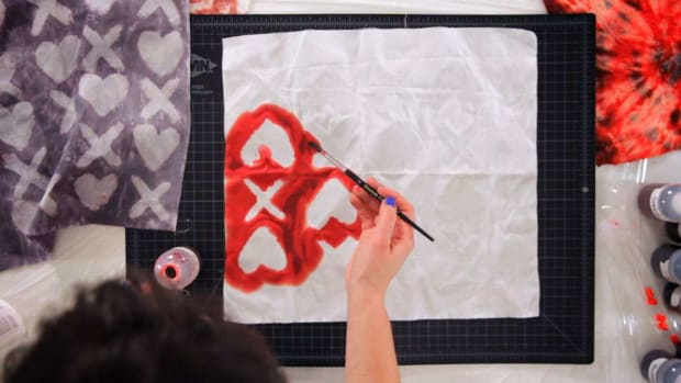 U. How to Create Tie Dye Patterns with Hearts & Other Shapes Promo Image