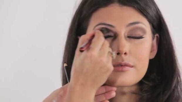A. How to Do Smokey Eye Makeup Promo Image