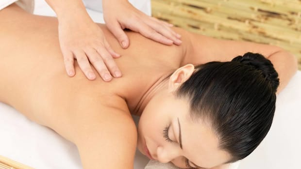S. How to Find a Legitimate Massage Parlor Promo Image