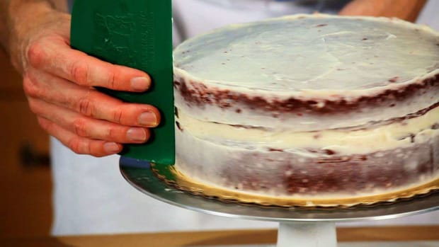 S. How to Crumb Coat a Red Velvet Cake Promo Image