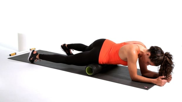 H. How to Foam Roll Your Hip Flexors Promo Image