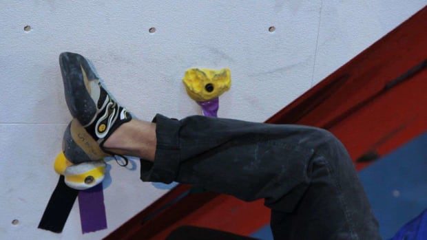 R. How to Use Heel & Toe Hooks for Indoor Climbing Promo Image