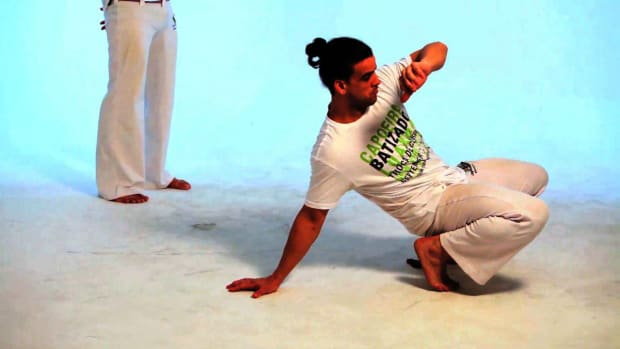 L. How to Do the Macaco in Capoeira Promo Image