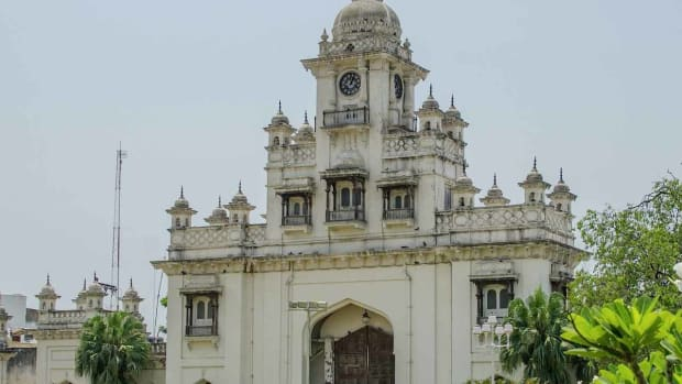 F. Visiting the Chowmahalla Palace in Hyderabad Promo Image