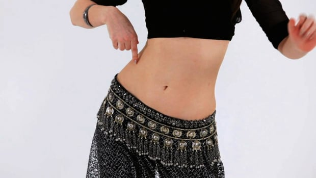 V. How to Do a Reverse Vertical Figure 8 in Belly Dancing Promo Image