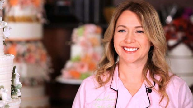 ZQ. How to Make Sugar Flowers with Amy Noelle Promo Image