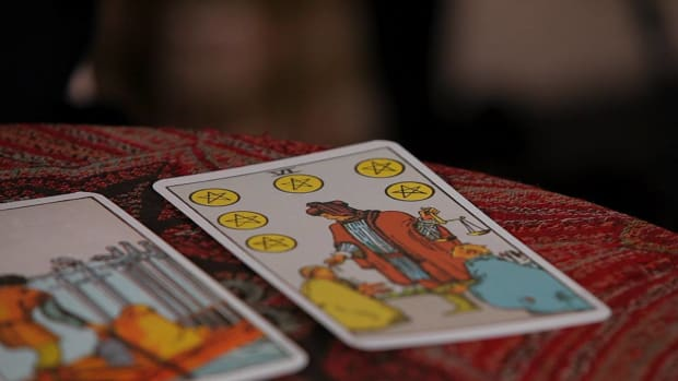 ZR. How to Read the Sixes Tarot Cards Promo Image