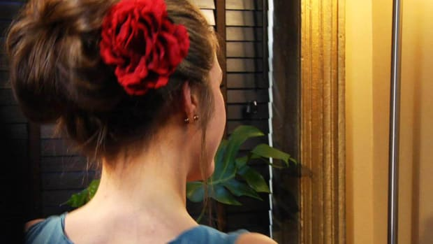 ZY. How to Create a Classic Updo Promo Image