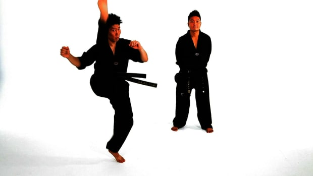 L. How to Do an Axe Kick in Taekwondo Promo Image