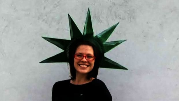 O. How to Make a Statue Of Liberty Crown for the 4th of July Promo Image