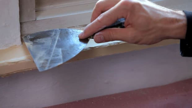 R. How to Fix Wood Molding before Painting Promo Image