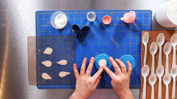 S. How to Make Tulip Sugar Paste Flower Petals Promo Image