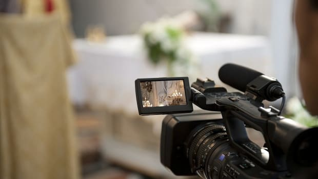 ZH. How to Pick a Wedding Videographer Promo Image