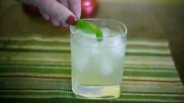 A. How to Make a Gin Basil Smash Promo Image