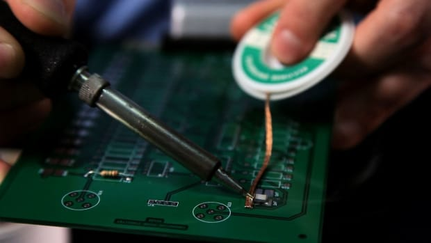 Q. How to Remove Components from a Circuit Board Promo Image