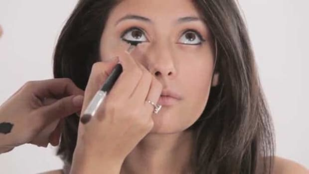 I. How to Do Bollywood Eyeliner Promo Image