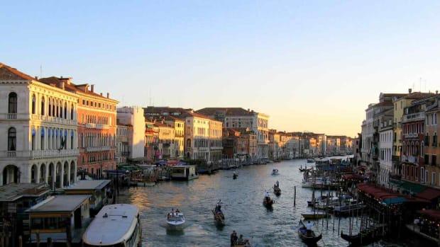 D. Best Time to Visit Venice Promo Image