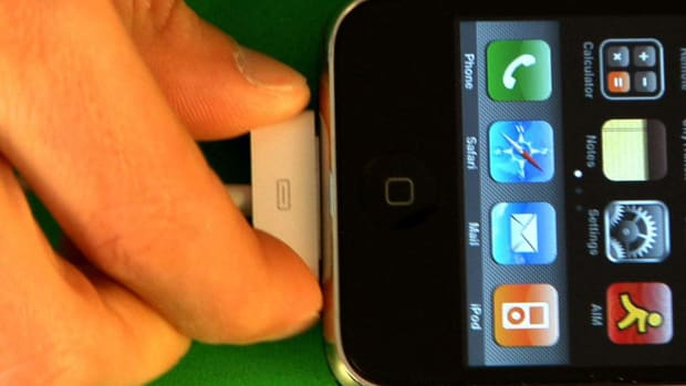 S. How to Extend the Life of Your iPhone Battery Promo Image