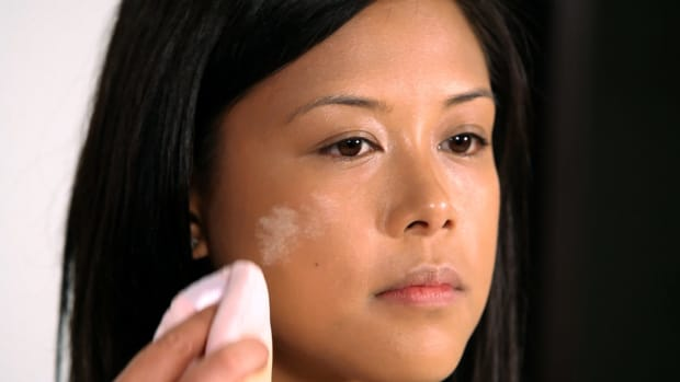 D. How to Use Powder on Asian Skin Promo Image