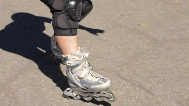 ZE. How to Use Your Rollerblade Brake Promo Image