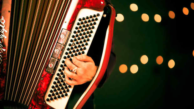 M. How to Play Accordion Bass Notes Promo Image