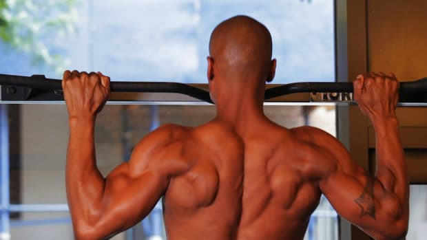 ZG. How to Do a Basic Pull-Up for a Back Workout Promo Image