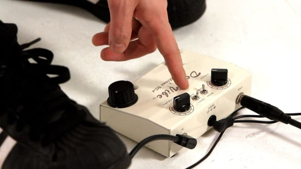 Q. How to Create a Hendrix Sound with a Wah Pedal Promo Image