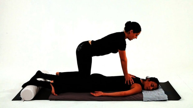 ZA. How to Use Your Knees in Shiatsu Massage Promo Image